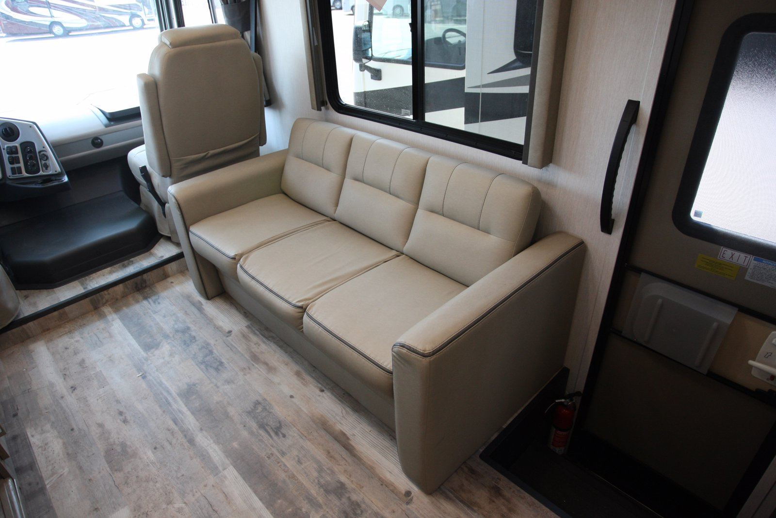 New 2021 COACHMEN PURSUIT 27DS