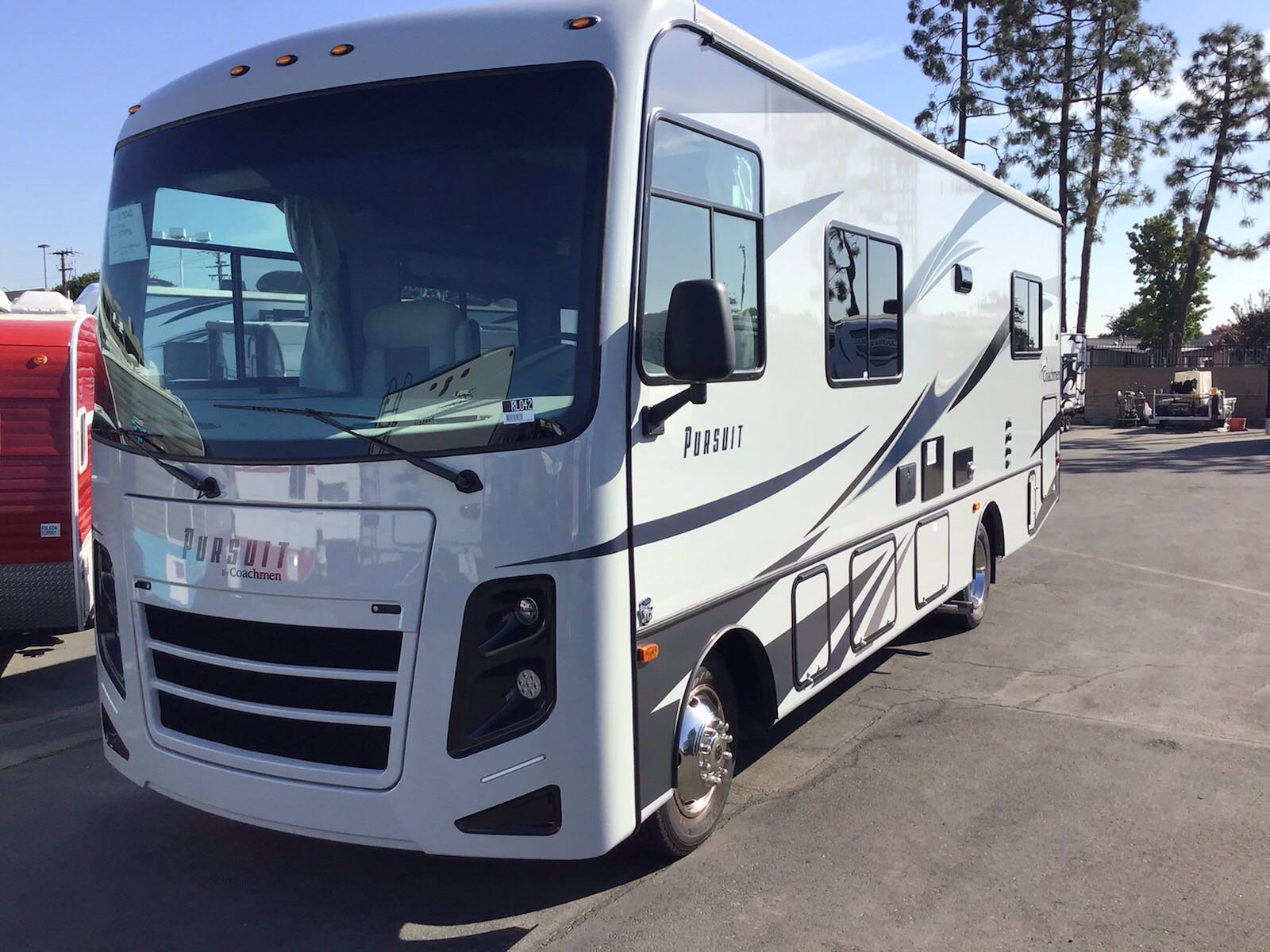 New 2020 COACHMEN PURSUIT 27XPSF