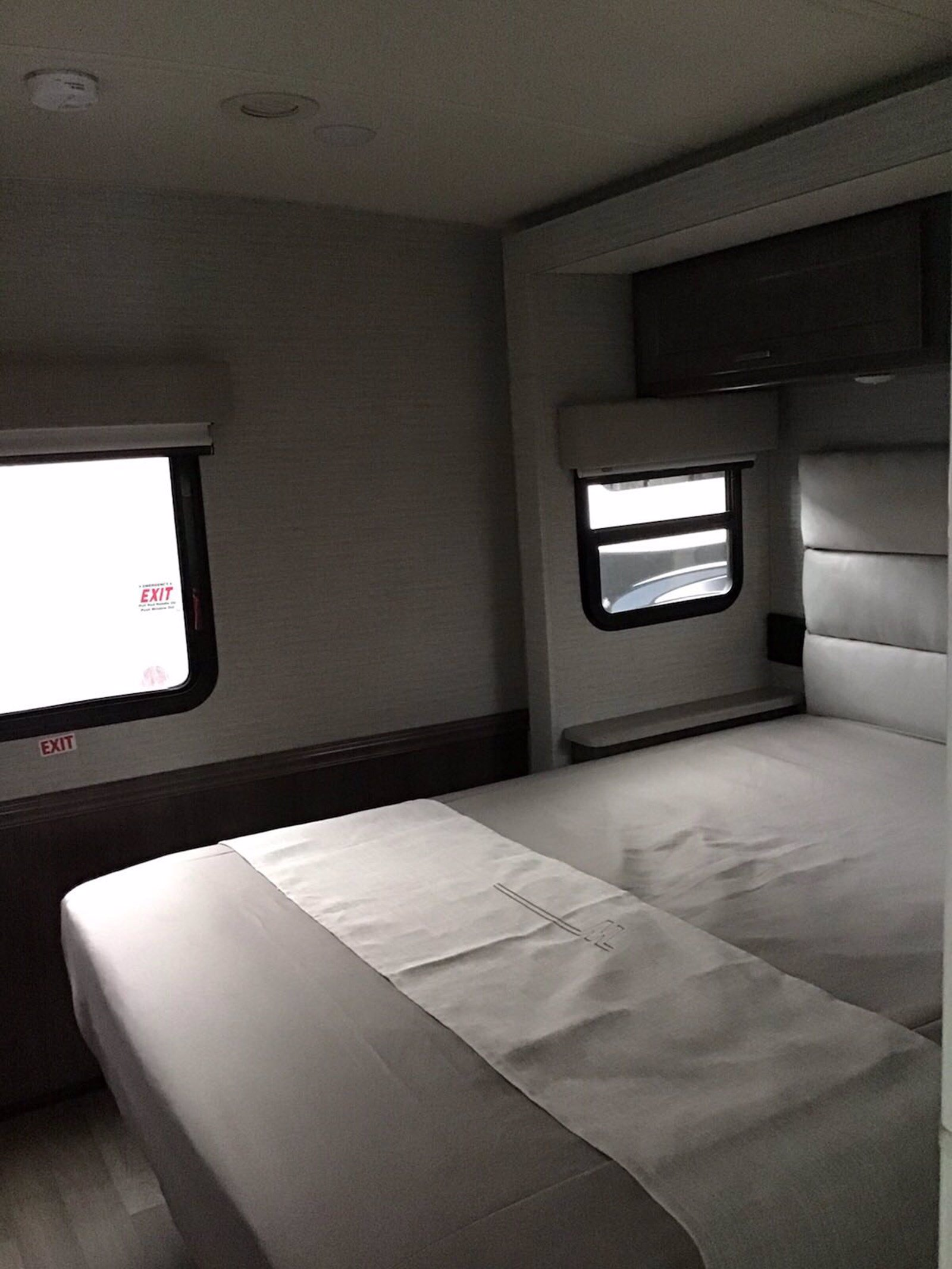 New 2020 WINNEBAGO ADVENTURER 30T