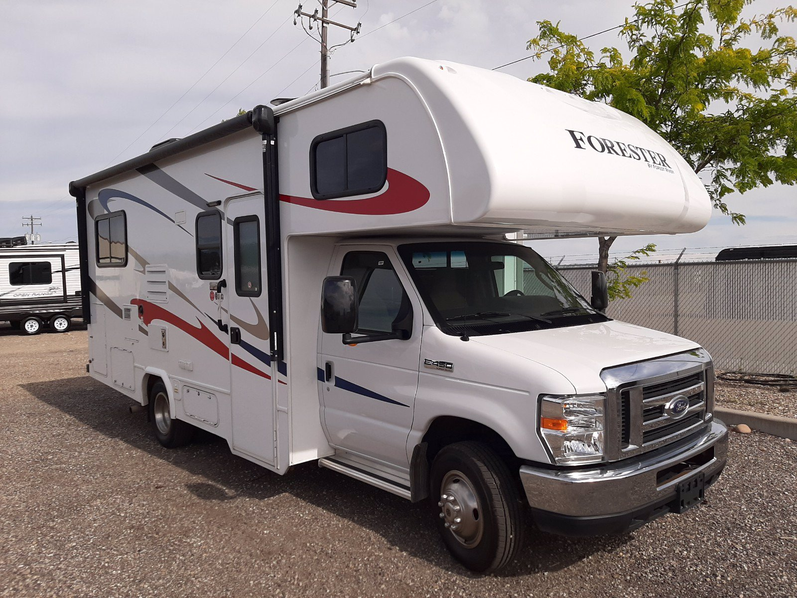 Pre-Owned 2018 FOREST RIVER FORESTER 2291S