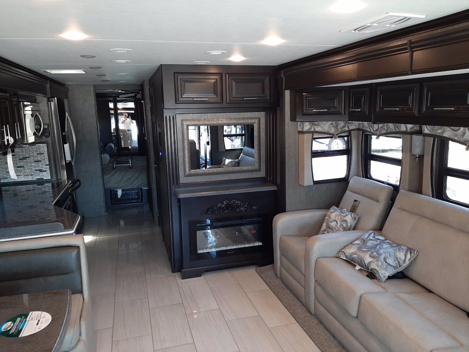 New 2020 FOREST RIVER BERKSHIRE XL 37A