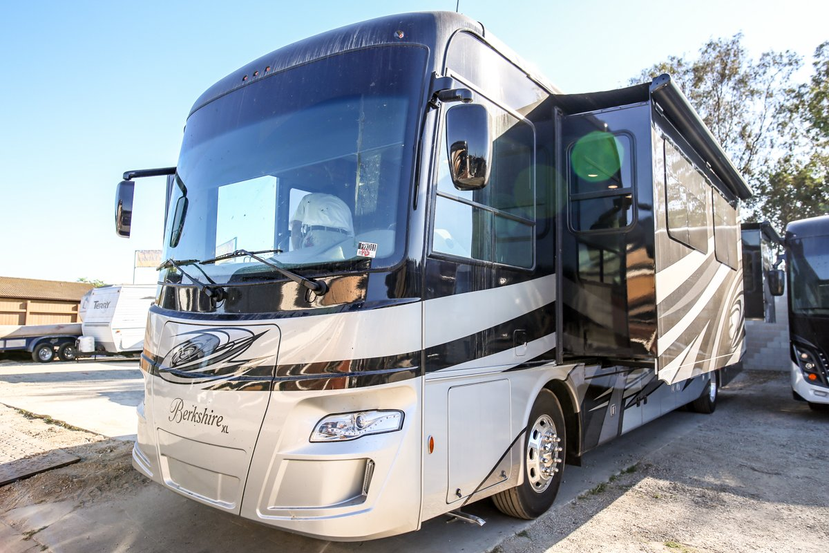 New 2019 FOREST RIVER BERKSHIRE XL 40BH