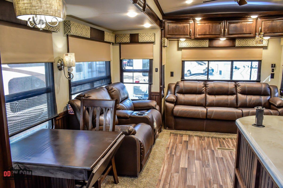 New 2019 Forest River Cardinal 3250rl Cch In Boise Stk016
