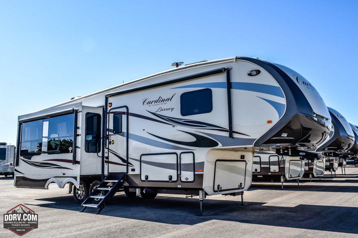 New 2019 FOREST RIVER CARDINAL 3250RL