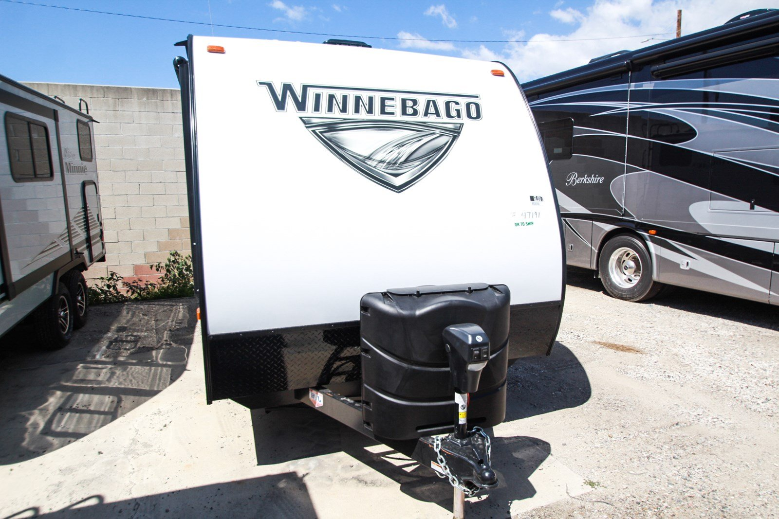 New 2020 WINNEBAGO MICRO MINNIE 1700BH