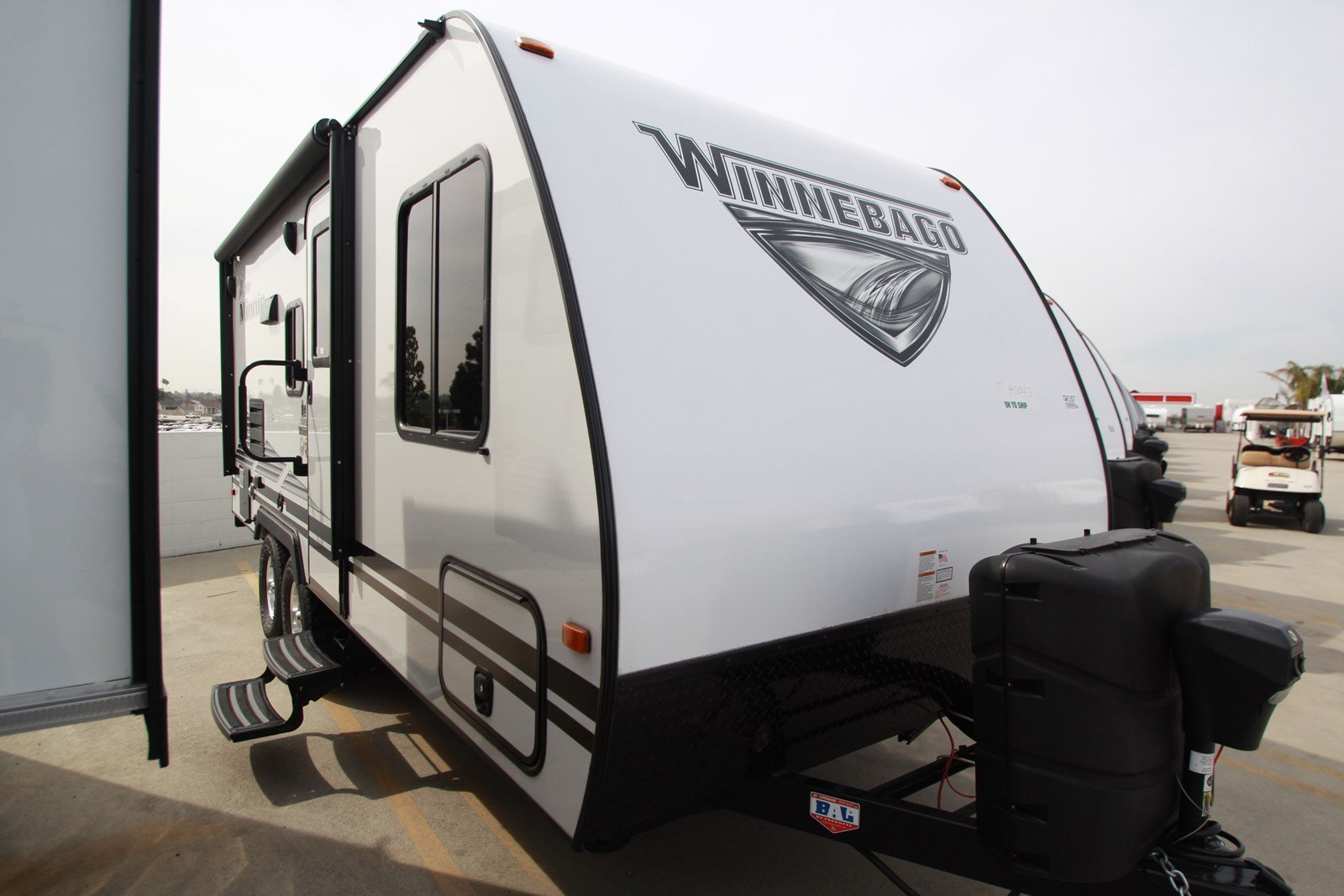 New 2019 WINNEBAGO MICRO MINNIE 2106FBS