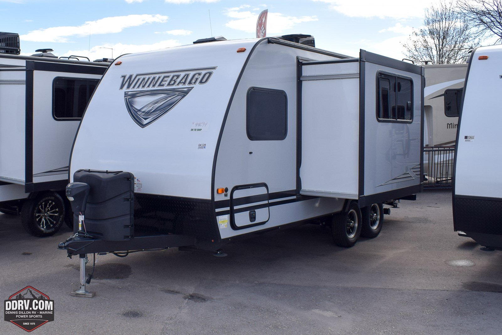 New 2019 WINNEBAGO MICRO MINNIE 2100BH