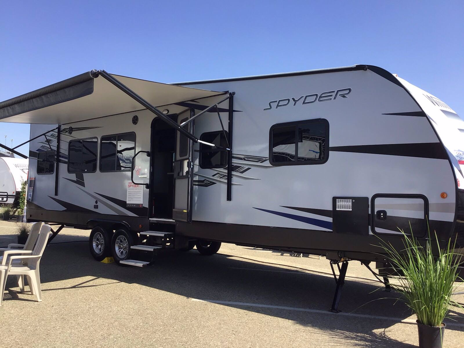 New 2020 WINNEBAGO SPYDER 29STT