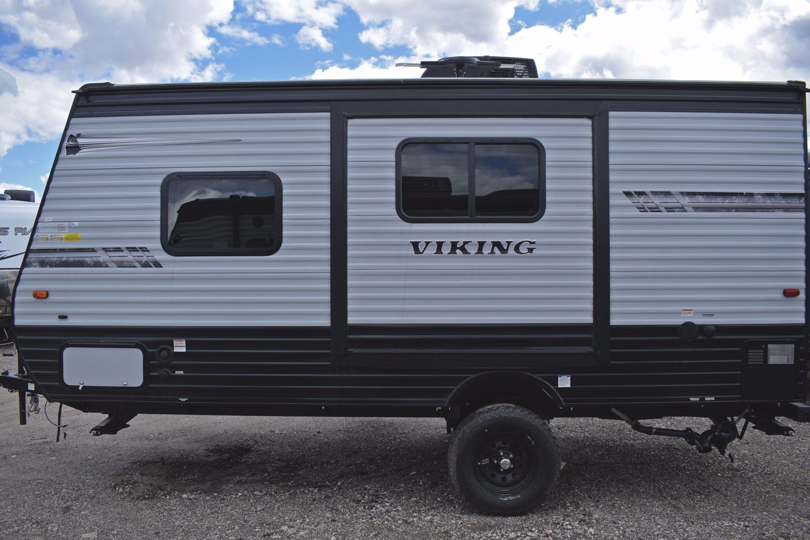 New 2019 COACHMEN VIKING 17RBSS