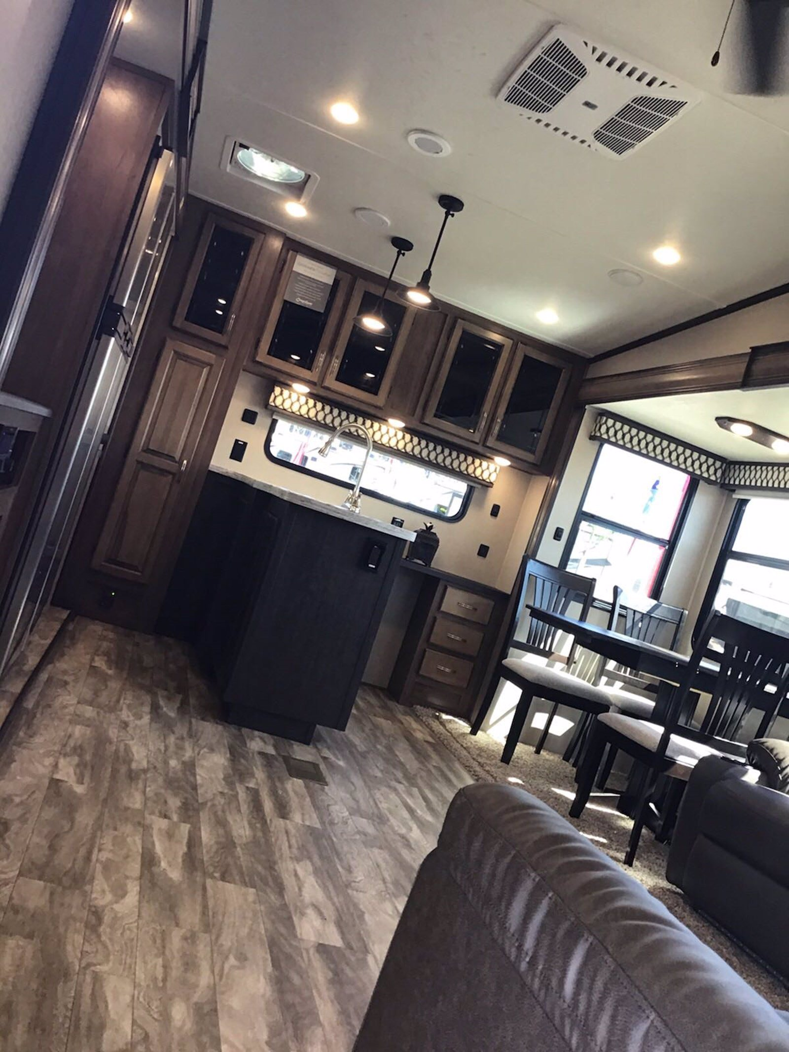 New 2020 COACHMEN CHAPARRAL 27RKS