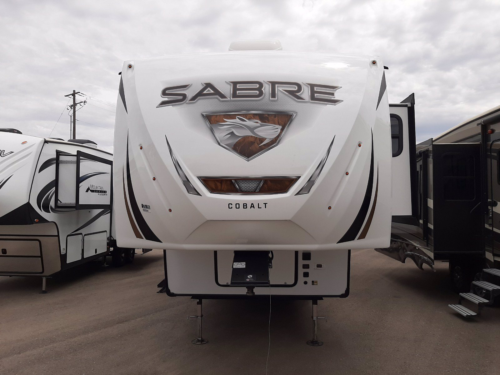 New 2020 FOREST RIVER SABRE 38RDP