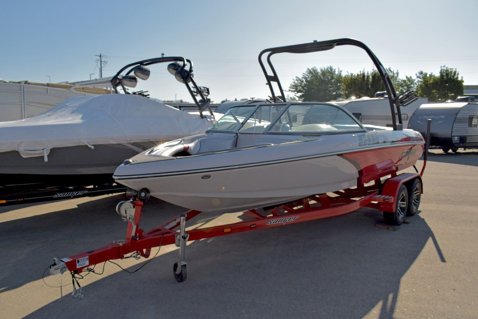 New 2019 SANGER BOATS V215S