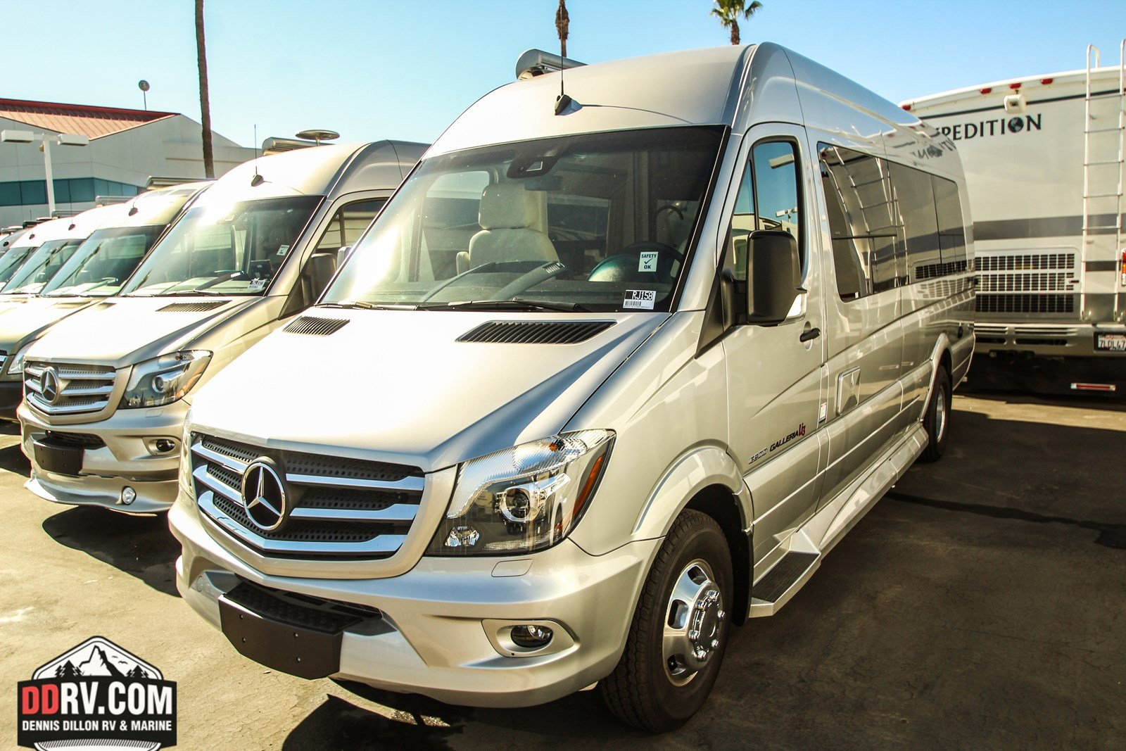New 2018 COACHMEN GALLERIA 24FL